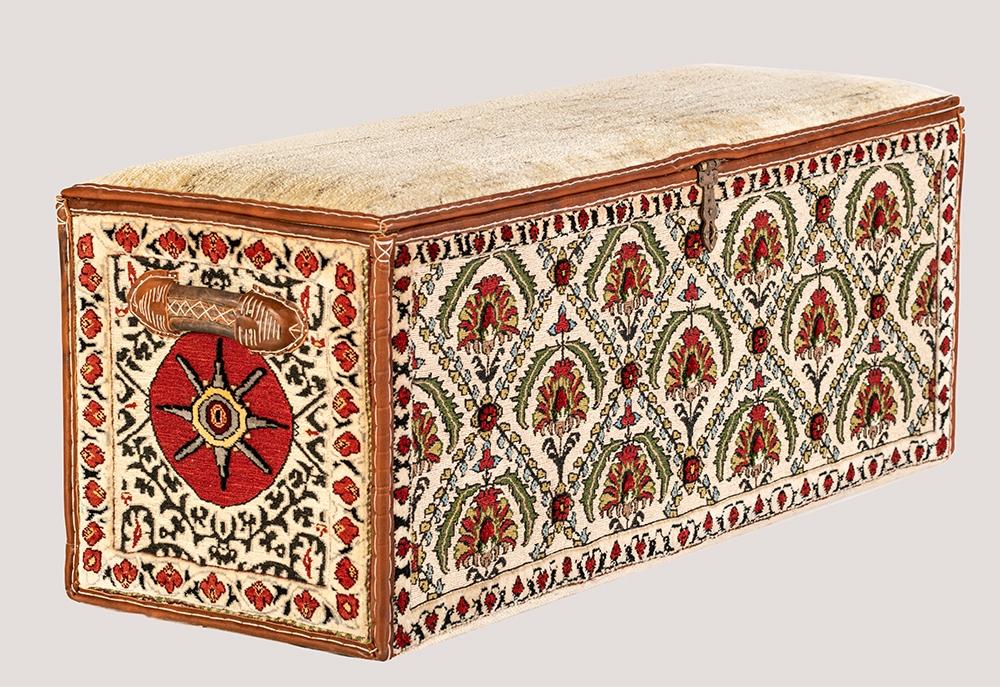 Afshar Coffer 1 web1 Baluch Soumak sides and Amaleh Gabbeh top L90x W47x H50cm