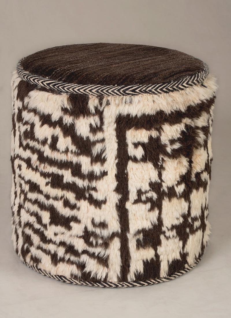 Ghashghai Zigorat Cylindrical Coffer 1 Stool Web D40 X H40 Cm